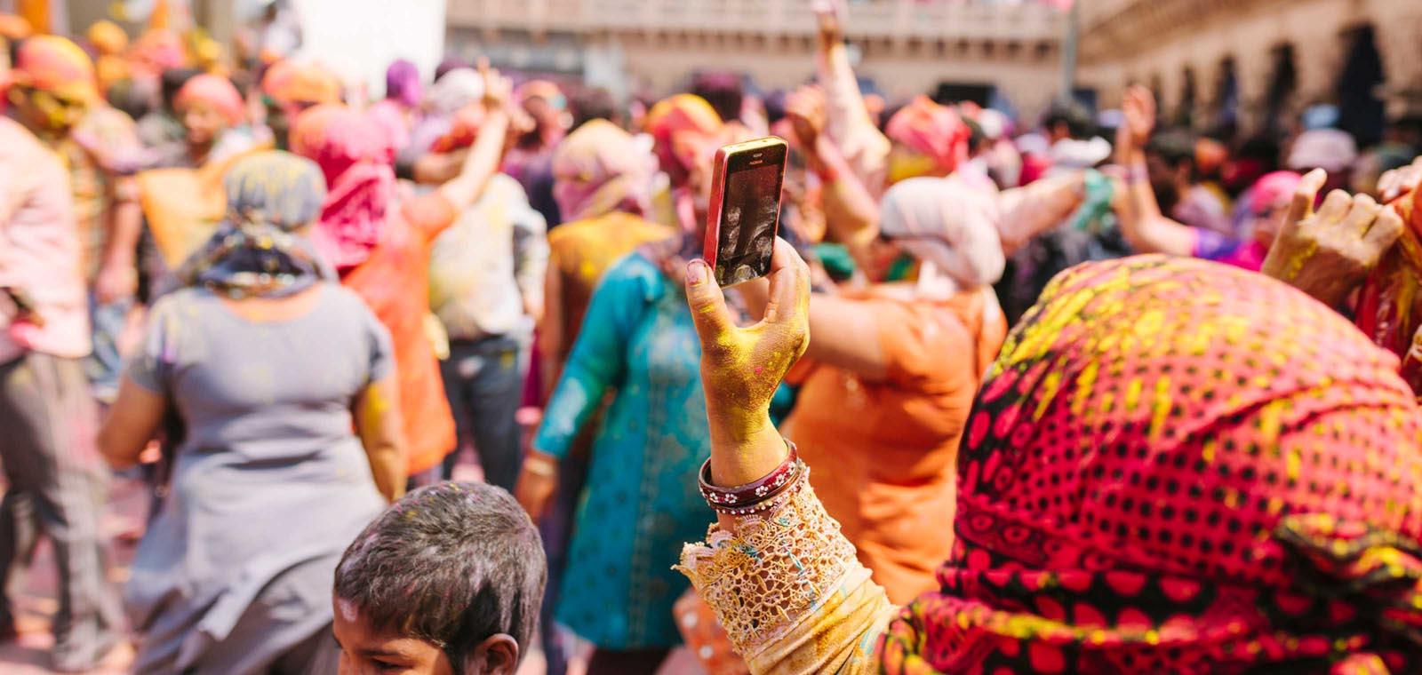 indian consumers Presented by: achintya pr avishek bhattacharya divya marwah mukul attri nayana unni prashant patro siddharth modak.